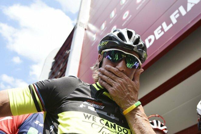 Davide Nicola dviračiu numynė apie 1300 km. | Scanpix nuotr.