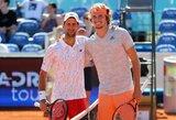 N.Djokovičius įveikė A.Zverevą, bet liko už finalo borto, Prancūzijoje prasidėjo keistas teniso turnyras su kėlinukais