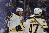 """Įvarčių fiestą surengę """"Bruins"""" persvėrė NHL superfinalo serijos rezultatą"""