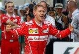 """Ilgai laukta """"Ferrari"""" pergalė: S.Vettelio taktinis sprendimas sužlugdė L.Hamiltono planus"""