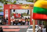 Nuo Dakaro starto podiumo A.Juknevičius sveikino ir lietuvius, ir perujiečius