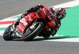 Įspūdingose Italijos GP lenktynėse D.Petrucci 0.043 sek. persvara iškovojo pirmą karjeros pergalę, V.Rossi gimtinėje krito nuo motociklo