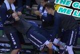 Įspūdingas komandos draugų palaikymas nuo atsarginių žaidėjų suolelio