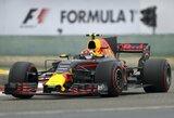 Tarsi kompiuteriniame žaidime: M.Verstappenas pirmajame rate aplenkė 9 bolidus