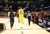 """Klivlande kaip čempionas priimtas L.Jamesas atvedė """"Lakers"""" į pergalę"""