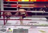 Neįtikėtina: svirduliavęs rusas MMA kovoje nokautavo varžovą