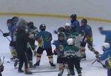 Absurdas Ukrainoje: ledo ritulio treneris įsivėlė į muštynes su 11-mečiais