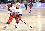 Su NHL legendomis žaidęs V.Putinas mušė įvarčius, žaisti atsisakęs A.Lukašenka atsidėkojo bulvių maišais