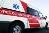 A lygos rungtynėse greitosios medicinos pagalbos automobilio laukimas