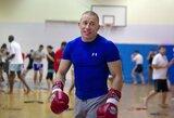 """UFC legendos treneris nori savo auklėtinio kovos su C.McGregoru: """"Tai sudomintų visą pasaulį"""""""