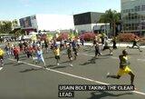 U.Boltas prieš eilinius žmones: kaip atrodo 100 m bėgimas?