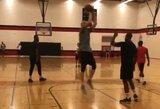 """A.White'as treniruojasi kartu su """"Wizards"""" žvaigždėmis"""