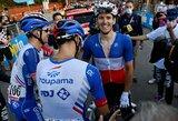 """Dviratininkas I.Konovalovas su komanda švenčia dar vieną pergalę """"Giro d'Italia"""" lenktynėse"""