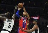 """""""Lakers"""" bandė mainais gauti D.Rose'ą"""