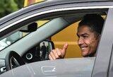 """Įspūdingos sumos: C.Ronaldo aplenkė L.Messį pagal """"Instagram'e"""" uždirbamus pinigus"""