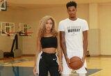 """""""Spurs"""" gynėjas krepšinio žaidime merginą paliko be rūbų"""