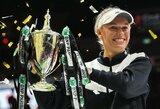 """Užkeikimas prieš V.Williams baigėsi: C.Wozniacki pirmą kartą karjeroje triumfavo """"WTA Finals"""" turnyre"""