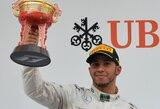 """L.Hamiltonas: """"Vienoje komandoje galėčiau lenktyniauti ir su S.Vetteliu"""""""