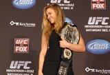 """R.Rousey pasakė, kuo skiriasi UFC ir WWE: """"Amerikietiškose imtynėse žmonėmis rūpinamasi kur kas geriau"""""""