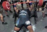 """Pasaulio rekordininko bandymas """"išspausti"""" 800 svarų: skirtingas svoris štangos pusėse ir trauma"""