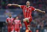 """Be intrigos: """"Bayern"""" dar pirmame kėlinyje sutraiškė """"Borussia"""" ir yra per žingsnį nuo čempionų titulo"""