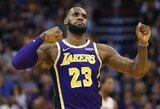 """L.Jamesas su """"Lakers"""" iškovojo pirmąją pergalę"""