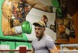 Staigmena C.McGregorui: jo sporto salę papuošė įspūdingas piešinys, kuriame jis nokautuoja F.Mayweatherį