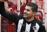 """Bulgarijoje futbolininkas atleistas už tai, kad rungtynes """"iškeitė"""" į purvo vonią"""