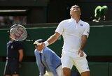 Vimbldonas turės naują karalių: R.Federeris pralaimėjo reto grožio trilerį