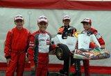 """""""P1 racing by WTR"""" kartingo komandos nariai iš sporto salės keliasi į lenktynių trasas"""