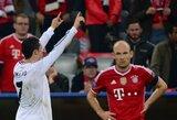 Geriausio Europoje žaidžiančio futbolininko titulas atiteks M.Neueriui, A.Robbenui arba C.Ronaldo