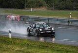"Merkiant lietui lyderiai įpusėjo ""ENEOS 1000 km lenktynes"""