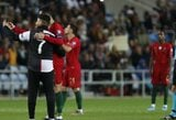 Pamatykite: C.Ronaldo rungtynių metu su Lietuva pasidarė asmenukę su vėl į aikštę įsiveržusiu fanu