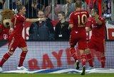 """Bayern"" toliau eina pergalingu keliu, o ""Borussia"" buksuoja"