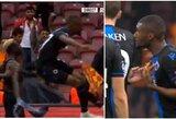 """Absurdas: už įvarčio šventimą iš aikštės išvyti du """"Brugge"""" futbolininkai"""