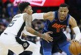"""R.Westbrookas surinko trigubą dublį, o """"Thunder"""" laimėjo taškų nepelniusi beveik keturias minutes"""