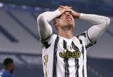 """Atgarsiai socialiniuose tinkluose po """"Juventus"""" fiasko: kritikos lavinos sulaukė """"sienelėje"""" nesėkmingai pasirodęs C.Ronaldo"""