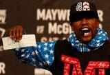 """C.Sonnenas: """"Bukaprotis F.Mayweatheris bankrutuoja, todėl vėl kovos bokso ringe"""""""