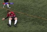 """""""Geležinė futbolininkė"""": škotė po šiurpios traumos atstatė savo kelio girnelę į vietą ir užbaigė rungtynes"""
