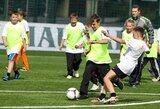 Moksleiviams – futbolo treniruotė LFF stadione su olimpiniu čempionu