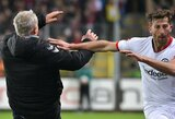 """Pamatykite: """"Eintracht"""" kapitonas D.Abrahamas buvo išvarytas iš aikštės už varžovų trenerio pargriovimą"""
