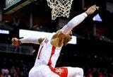 """R.Westbrookas perrašė trigubų dublių istoriją, """"Rockets"""" šventė pergalę"""