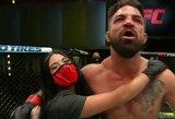 """UFC kovotojas prakalbo apie trenerį kampe pakeitusią savo merginą: """"Dieve, buvo taip gerai"""""""