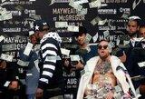 Niujorke C.McGregoras kategoriškai pakeitė įvaizdį, F.Mayweatheris mėtėsi 1 dolerio vertės kupiūromis