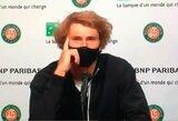 """Atsainumas? A.Zverevas žaidė """"Roland Garros"""" mačą nepaisydamas pakilusios temperatūros"""