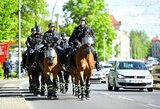 """""""Bayern"""" fanai bandė apeiti taisykles ir įsilipo į medį, bet buvo išvaikyti policijos"""