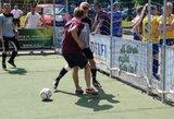 Futbolo turnyre 3x3 – vaikinų ir merginų kovos bei Europos U-19 čempionato prizai