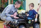 LFF vadovai bei rinktinės žaidėjai aplankė Santariškių ligoninėje besigydančius vaikus