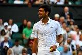 Keistas teniso gerbėjo pasiūlymas N.Djokovičiui prajuokino žiūrovus, jauniausias Vimbldono dalyvis žengė į trečiąjį ratą