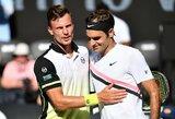 """R.Federeris iš """"Australian Open"""" turnyro eliminavo karjeros pasirodymą surengusį vengrą"""